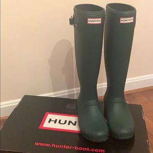 Mint condition hunter green boots